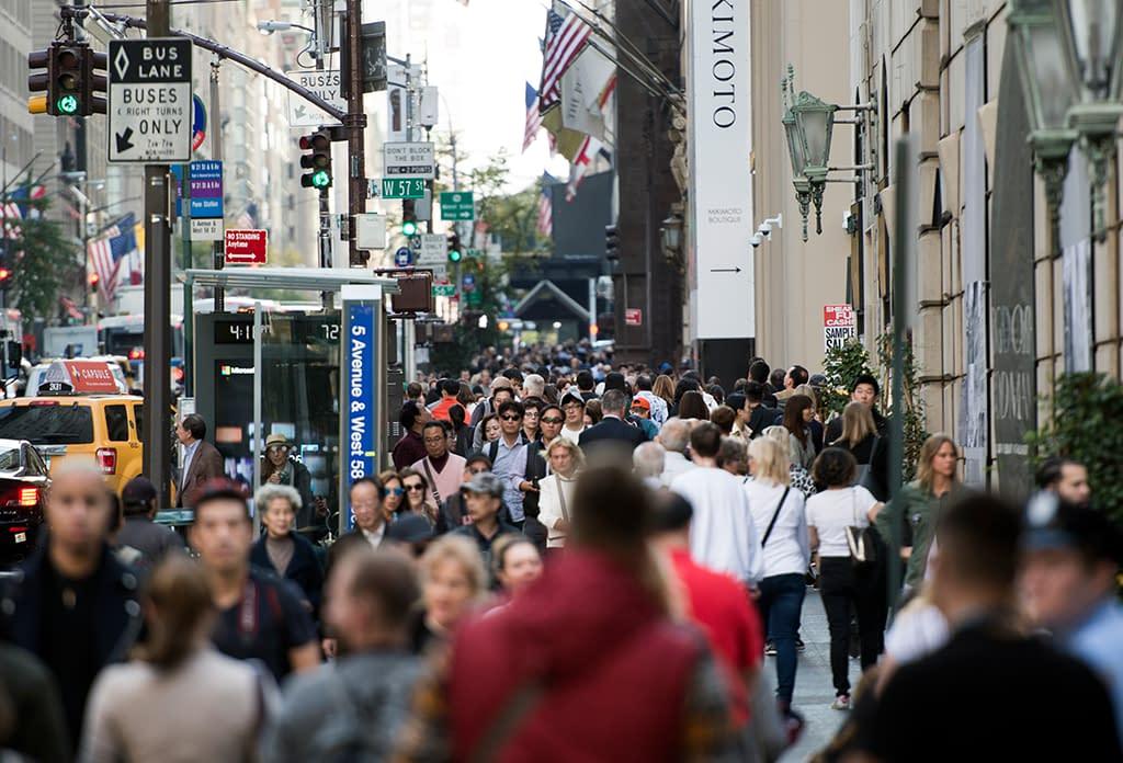 People On 5th Avenue